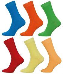 Rode heren sokken in fel blauw geel groen rood oranje